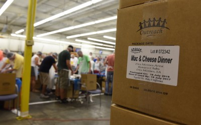 8 Des Moines Metro Rotary Clubs Package Meals for Local Hunger